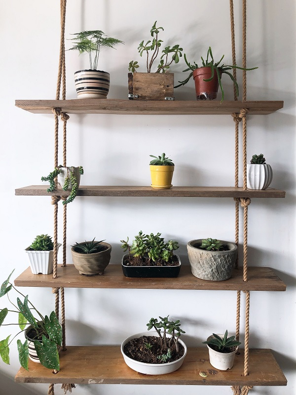 four storey decorative shelf