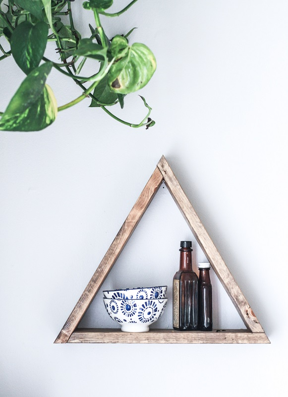 triangular shelf
